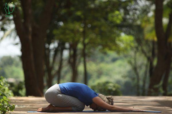 درمان افسردگی با يوگا (يوگا راهی برای يك زندگی شادتر)