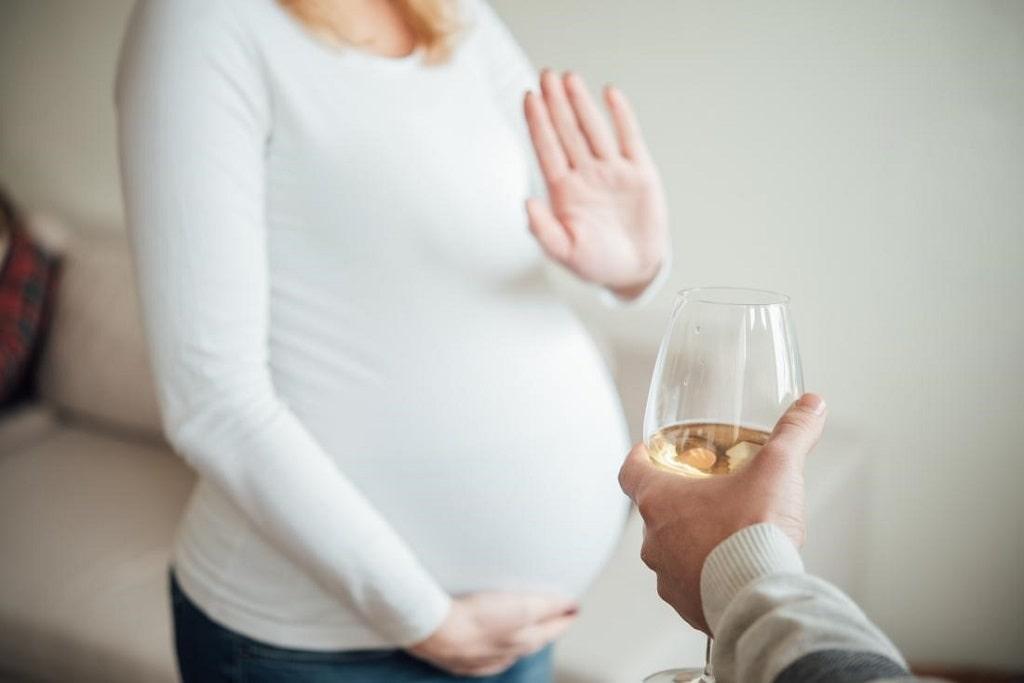 سندرم جنین الکل از اختلالات مرتبط با الکل محسوب میشود