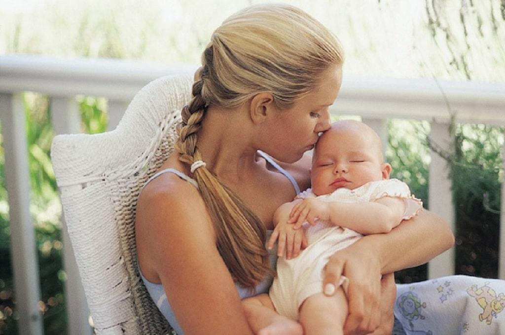 برای ایجاد دلبستگی در کودک چند مرحله وجود دارد