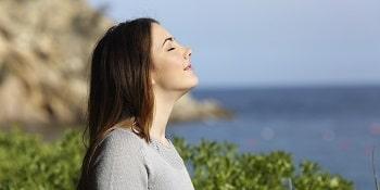 یکی از راه های کنترل احساس ، نفس عمیق کشیدن است