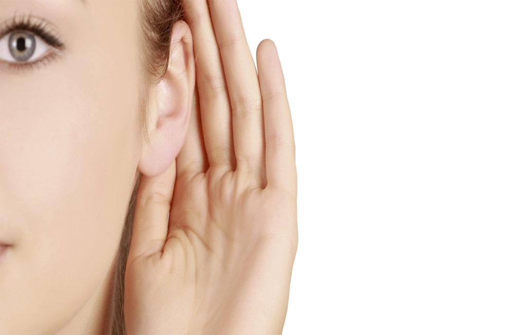آیا گوش دادن به همسر میتواند از مهارتهای ارتباطی باشد؟