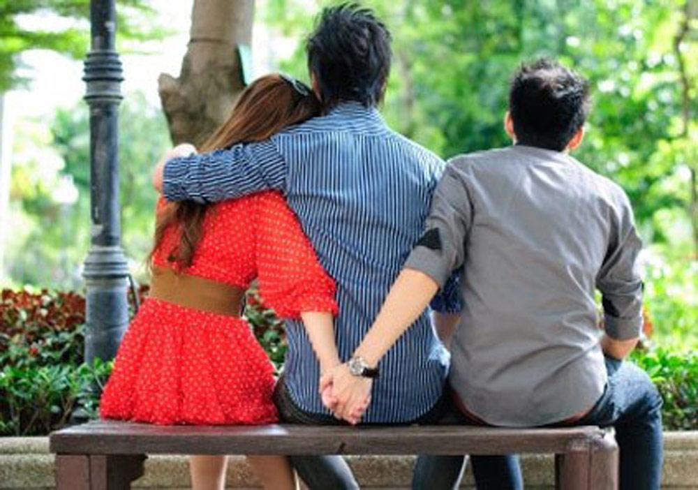 رابطهای که در آن نامزد / همسر شما در دسترس شما نیست