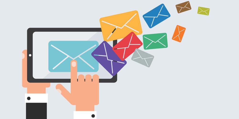 از ایمیل استفاده کنیم یا خیر؟