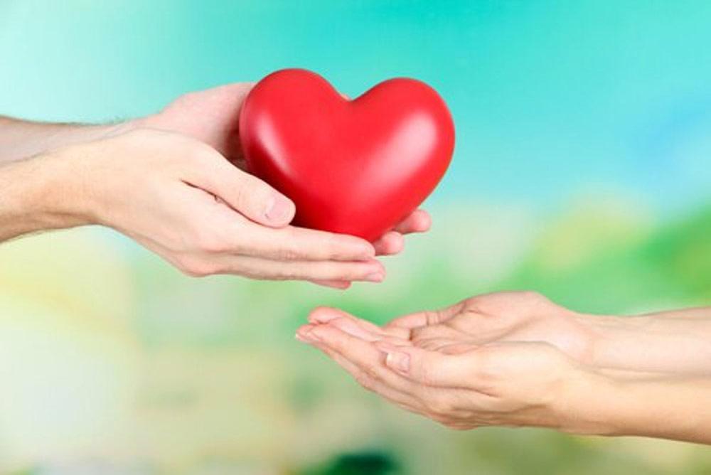 نشانههایی از محبت را ابراز کنید.