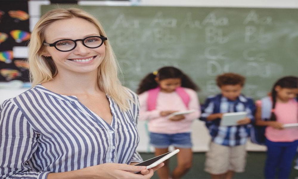 معلمان مدارس هوشمند